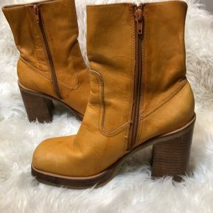 Vintage yellow Frye chunky platform boots